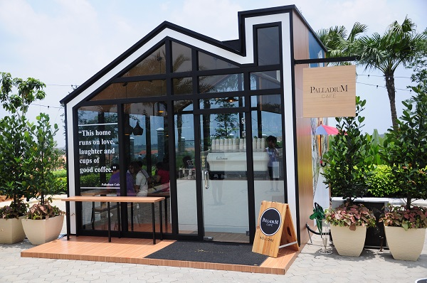 Palladium cafe picture perfect glasshouse cafe in eco for Home design johor bahru