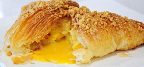 molten salted egg croissant