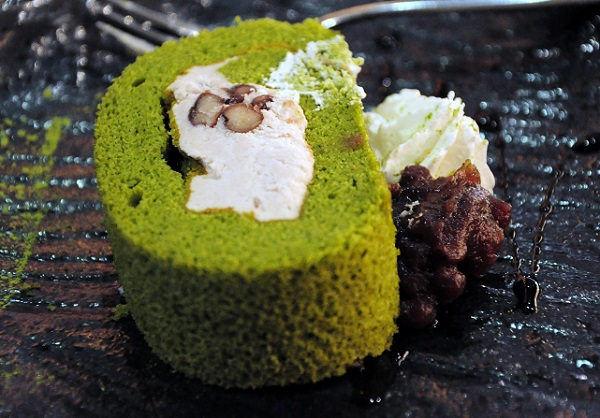 Matcha Swiss Roll Wa Cafe 1