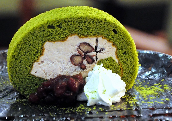 Matcha Swiss Roll Wa Cafe 2