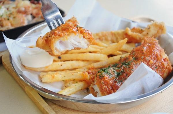Fish chicks cheap western food at ang mo kio for Crab topping for fish