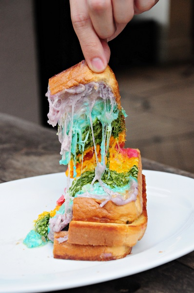 rainbow cheese toast epicurius cafe 4